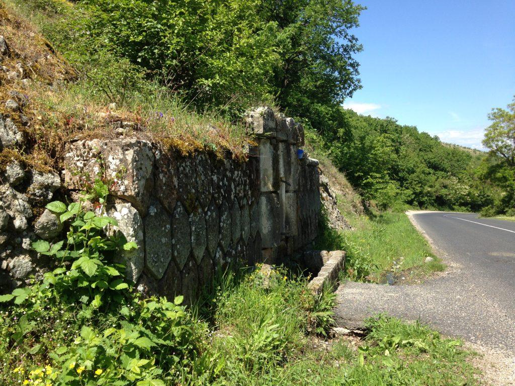 Крайпътна Чешма в Родопите