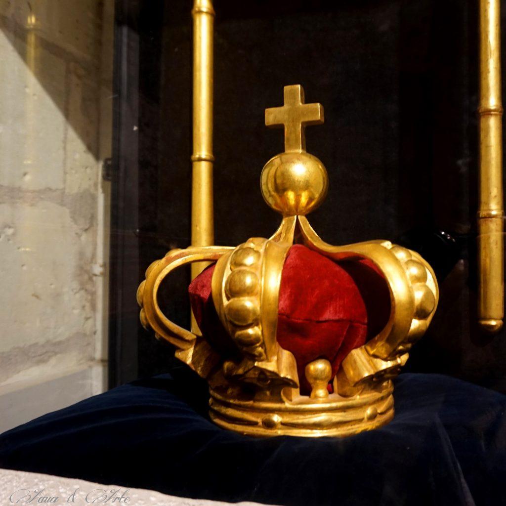 Кралската корона