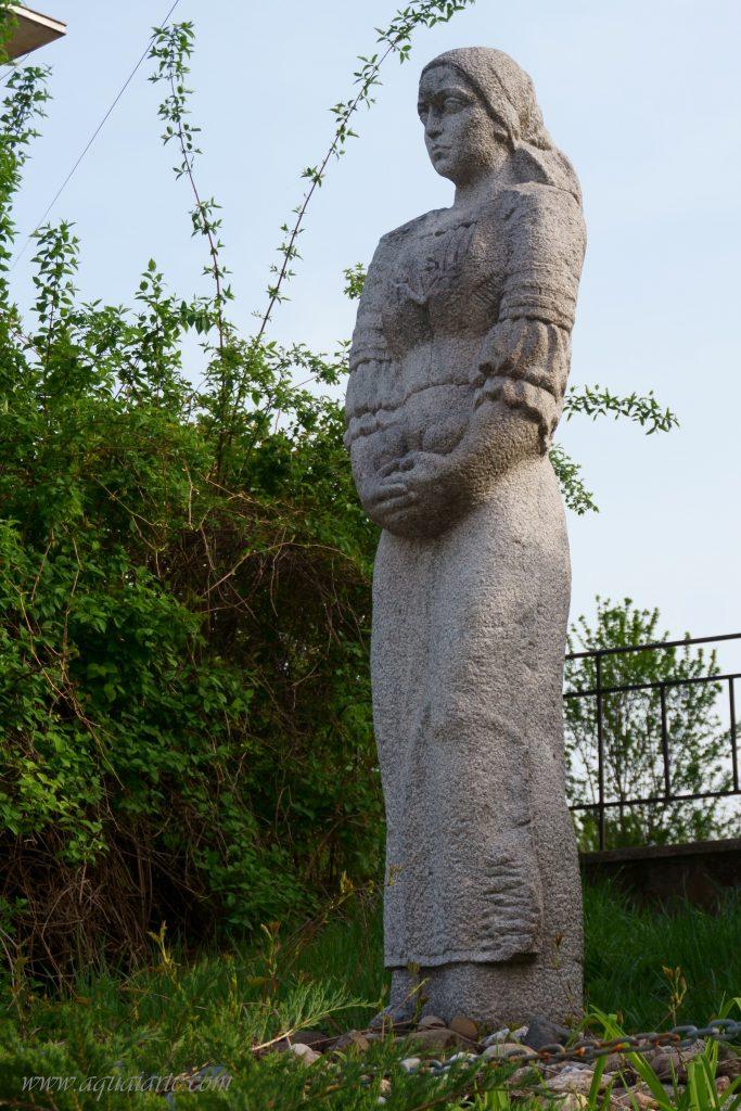 Статуята на Струма невеста
